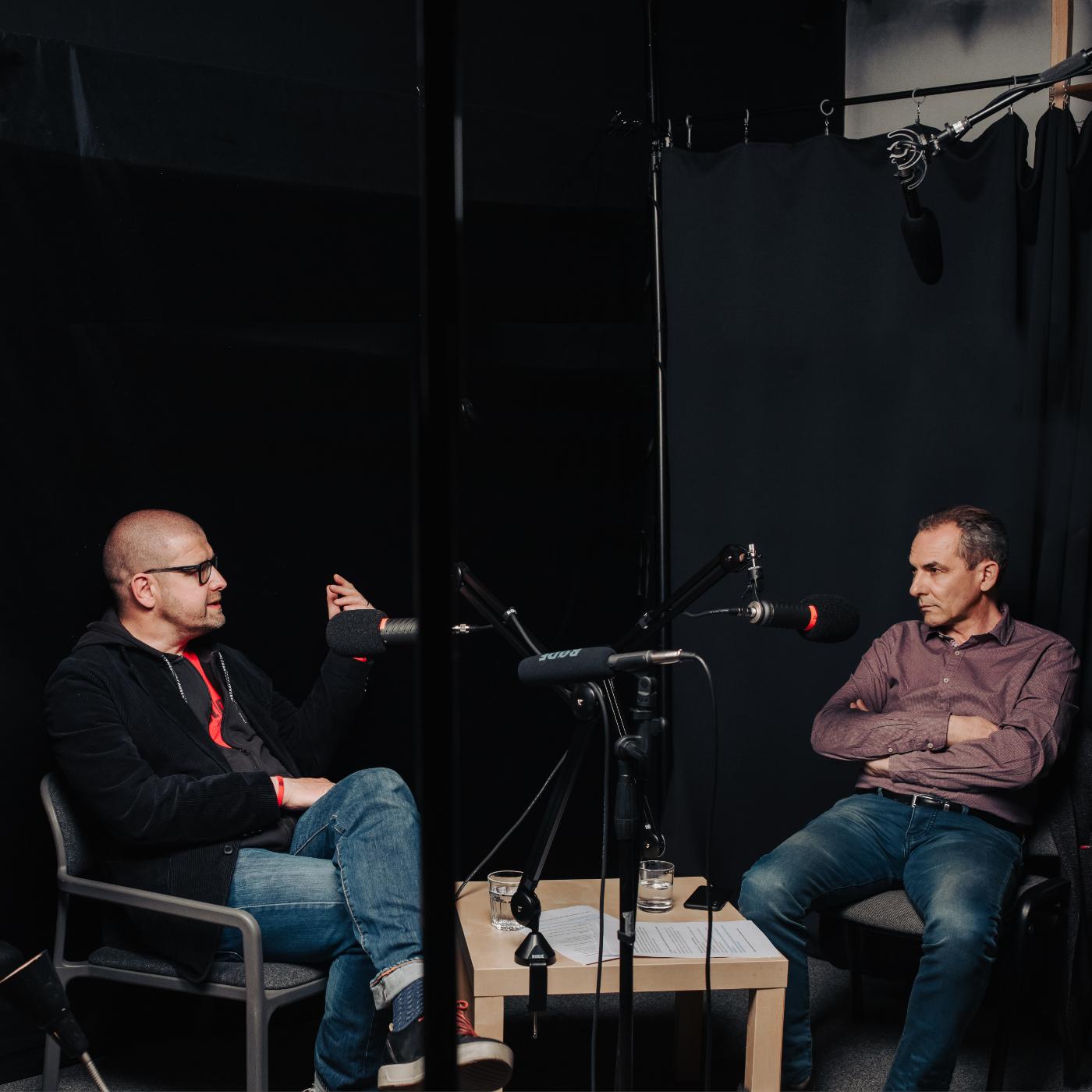 Paměť národa spouští podcast, tvoří ho Jindřich Šídlo a Jan Dobrovský