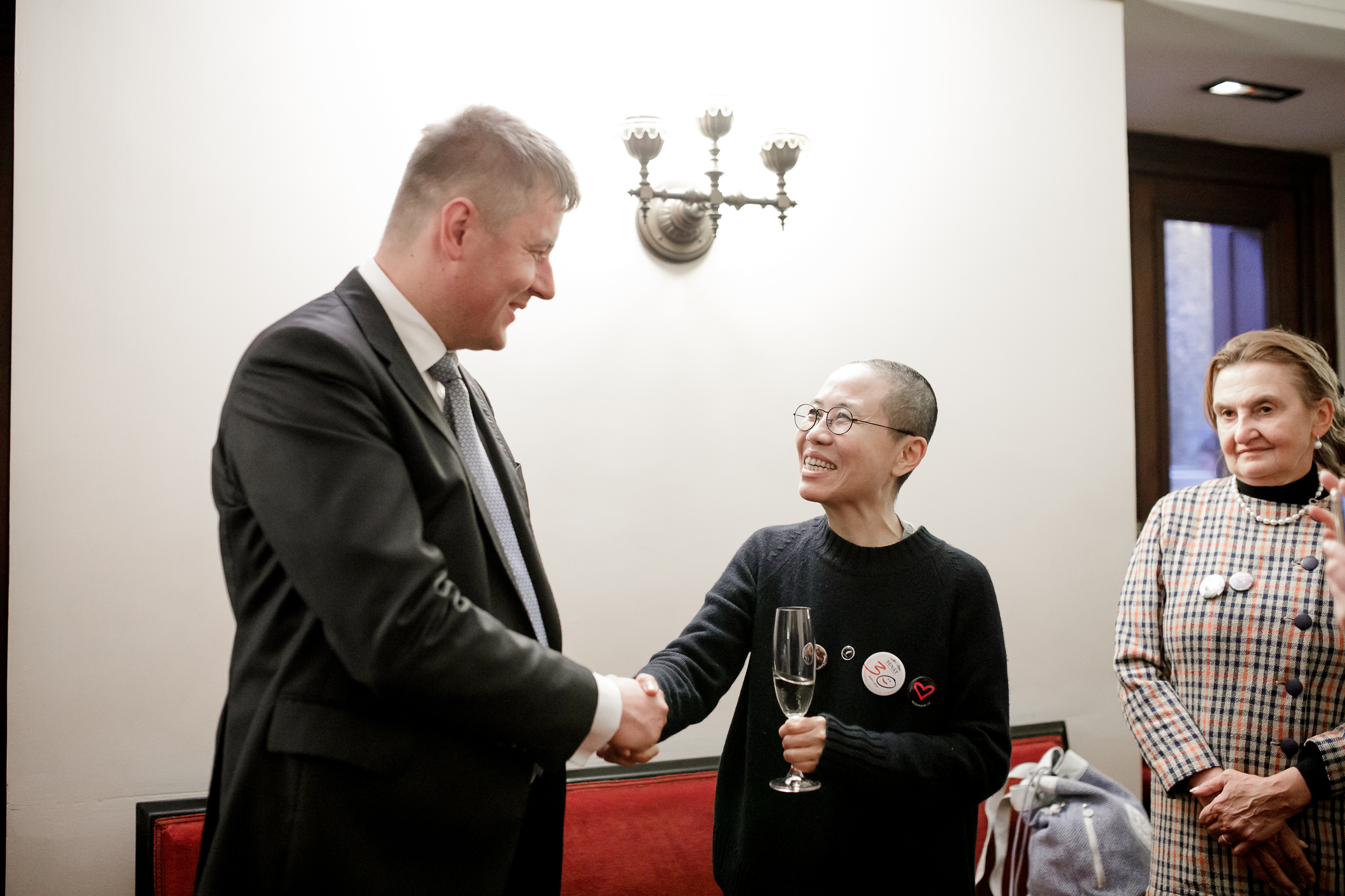 Ministr Tomáš Petříček se na Kolegia Paměti národa setkal s čínskou disidentkou Liou Sia